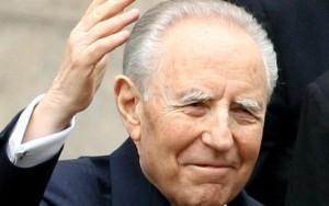 Guarda la versione ingrandita di Ciampi story: Sindona, la svalutazione della lira, l' euro...