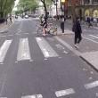 """YOUTUBE Pedone contro ciclista, quasi rissa: """"Ti devi fermare, è la legge!""""04"""