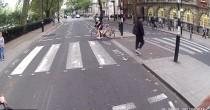 """Pedone adirato contro ciclista  """"Devi fermarti è la legge!"""""""