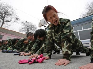Cina: la madre la allontana da internet, lei la lascia morire di fame
