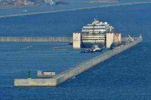 Concordia, ultimo viaggio in mare per il relitto: sarà nel porto di Genova