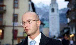 Guarda la versione ingrandita di Cortina, ex sindaco Andrea Franceschi a processo. Accusa: