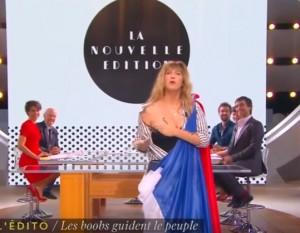 YOUTUBE Francia: polemica burkini, la conduttrice in tv mostra...
