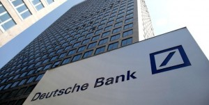 Guarda la versione ingrandita di Deutsche Bank mollata dagli hedge fund, crollo in Borsa