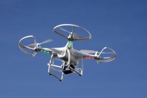 Droni per combattere gli incendi: permettono anche di trovare sopravvissuti