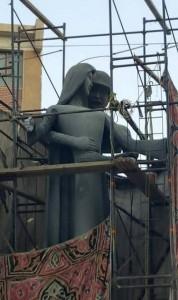 """Egitto, statua dedicata ai caduti """"raffigura molestie"""": artista costretto a cambiarla FOTO"""