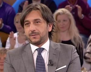 Azienda lo licenzia, Enzo Muscia la rileva e riassume ex colleghi