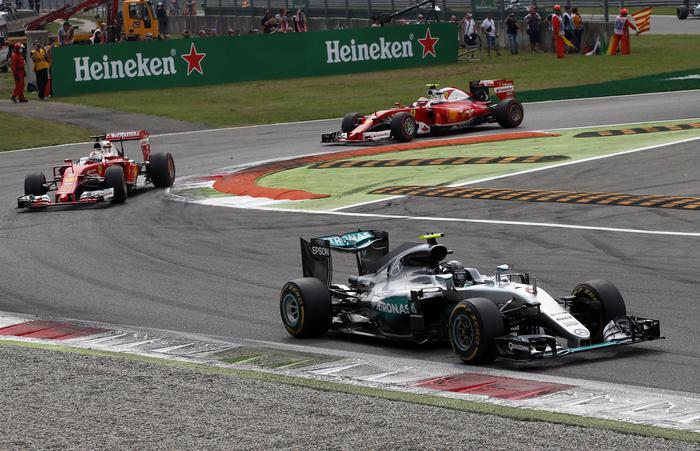 F1, Gp Monza: doppietta Mercedes, Ferrari terza con Vettel06