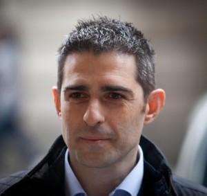 Guarda la versione ingrandita di Federico Pizzarotti assolto. Pm archivia indagine abuso d'ufficio