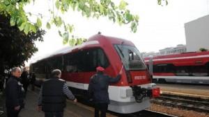 Guarda la versione ingrandita di Ferrovie Puglia, stop treni: non sono sicuri. Caos pendolari