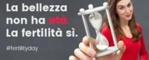 """#fertilityday. Renzi la snobba: """"Non fai figli con un cartellone"""""""