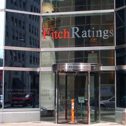 """Referendum, Fitch minaccia: """"Se vince no taglio del rating"""""""