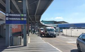 Fiumicino, falso allarme per un trolley abbandonato