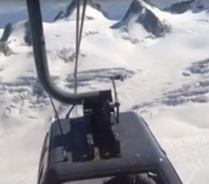 Funivia Monte Bianco: il momento in cui i cavi si intrecciano