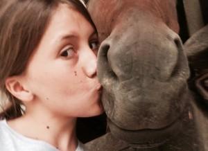 Manzano, ragazzina di 12 anni muore calpestata dal suo cavallo