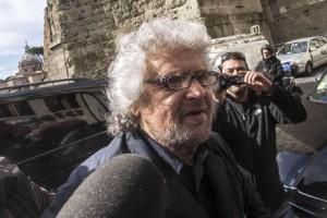 """Beppe Grillo, direttorio M5s non salta: """"Lo allargheremo"""""""
