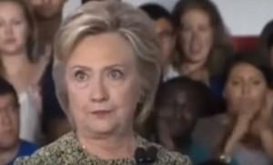 YOUTUBE Hillary Clinton, occhi fuori sincrono. Repubblicani: Faccia visita neurologica