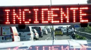 Incidenti A4 e A23, code 10 km. In A1 scontro bus migranti