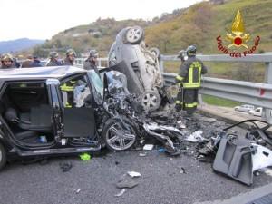 Roma, incidente sul Gra: pullman contro 3 auto. Lunghe code