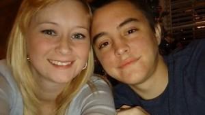 """Katie Prager muore 5 giorni dopo il marito Dalton: ispirarono libro """"Colpa delle stelle"""""""