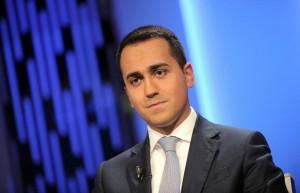 """Luigi Di Maio,  Alfano indagato per abuso d'ufficio """"via in 5 minuti"""". E Paola Muraro?"""