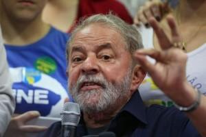 """Brasile, ex presidente Lula indagato: """"Io corrotto? Lo provino e io..."""""""