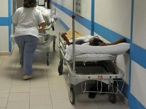 Guarda la versione ingrandita di Malasanità anche in Lombardia: pazienti fantasma, protesi 14 volte