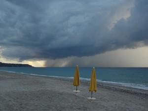 Meteo, Italia divisa in 2: maltempo al Sud, caldo al Nord