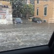 Maltempo Roma, violento nubifragio: strade allagate, metro A chiusa 3