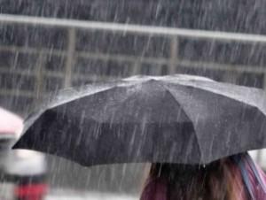 Maltempo: meteo ottobre con pioggia e vento in Liguria, Toscana...