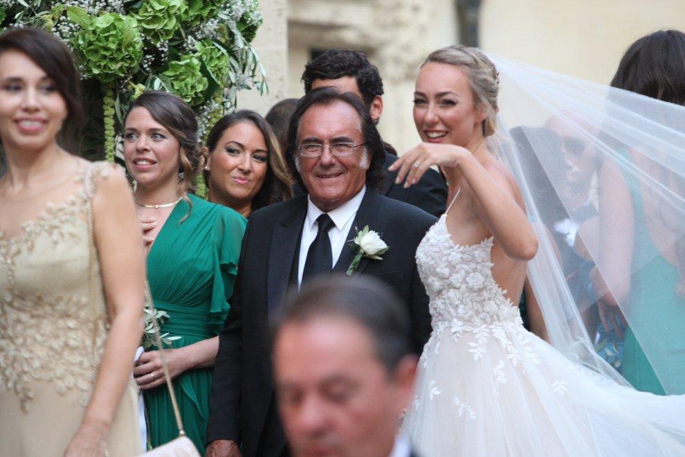 Matrimonio In Italiano : Cristel carrisi matrimonio in apecar tanti vip loredana
