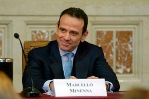 Guarda la versione ingrandita di Minenna (Bilancio) molla Raggi: fuga da Roma Capitale M5S
