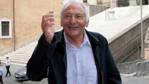 """Luigi Tenco, la famiglia contro Mogol: """"Quante bugie ha detto da Giletti"""""""