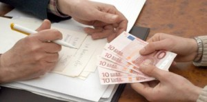 Guarda la versione ingrandita di  Mutui e prestiti più  cari della media Ue, la denuncia dei consumatori