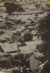 Guarda la versione ingrandita di Nagasaki, le foto scattate 12 ore dopo l'esplosione della bomba atomica