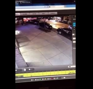 VIDEO YOUTUBE Esplosione in strada a New York ripresa da telecamera di sicurezza