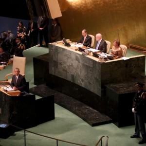 """Guarda la versione ingrandita di Obama all'Onu attacca Putin: """"Cerca gloria con la forza"""". E raddoppia profughi accolti"""