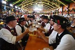 Guarda la versione ingrandita di L' Oktoberfest