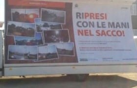 Vivi a Olbia e getti l'immondizia per strada? <br /> Gogna pubblica: tua foto finisce sui cartelloni