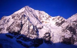 Tragedia sull'Ortles: alpinista austriaco precipita sotto gli occhi della moglie e muore