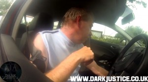 """VIDEO Uomo a ragazzina di 13 anni: """"Sei impaziente di perdere la verginità?"""