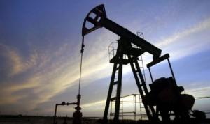 Petrolio, ecco perché il prezzo sale e scende