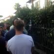 Pisa, calciatori festeggiano con tifosi fuori dallo stadio7