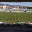 Pisa, calciatori festeggiano con tifosi fuori dallo stadio5