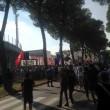 Pisa, calciatori festeggiano con tifosi fuori dallo stadio4