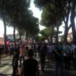 Pisa, calciatori festeggiano con tifosi fuori dallo stadio3