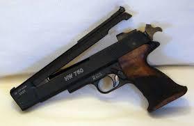 Spara nei campi con pistola ad aria compressa: proiettile…