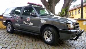 Guarda la versione ingrandita di Brasile, tenta di abusare di una donna: ucciso dalla folla a sassate