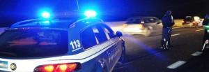 Roma, motociclista drogato e senza patente fugge sul Gra. 30 km di inseguimento poi...
