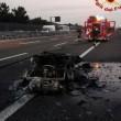 Porsche d'epoca a fuoco in autostrada: completamente distrutta FOTO 3
